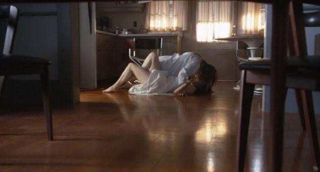 52  –  Jenny en Claude hebben sex voor de koelkast